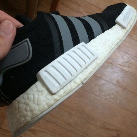 Was sollte man benutzen um weiße Schuhsolen wieder strahlend weiß zu bekommen?