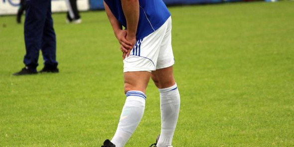 - (Gesundheit und Medizin, Schmerzen, Fußball)