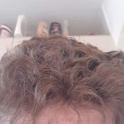 Strohige haare mann