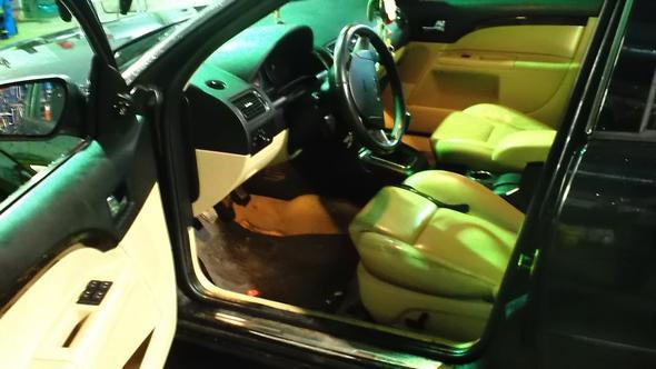 Der Ford von innen - (Auto, Verkauf, Einzelteile)