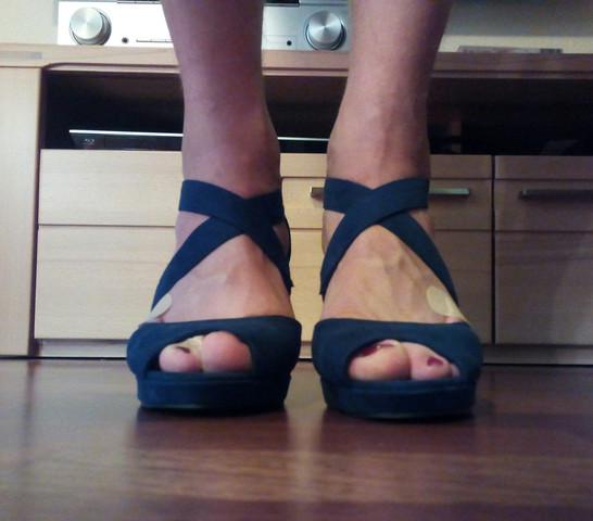 Bild 1 - (High-Heels, Fuß Zehen)