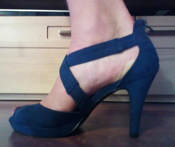 Bild 4 - (High-Heels, Fuß Zehen)