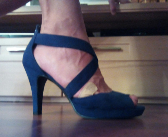 Bild 5 - (High-Heels, Fuß Zehen)