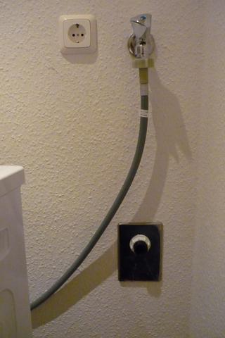 waschmaschine abflussrohr anschlie en wohnung. Black Bedroom Furniture Sets. Home Design Ideas
