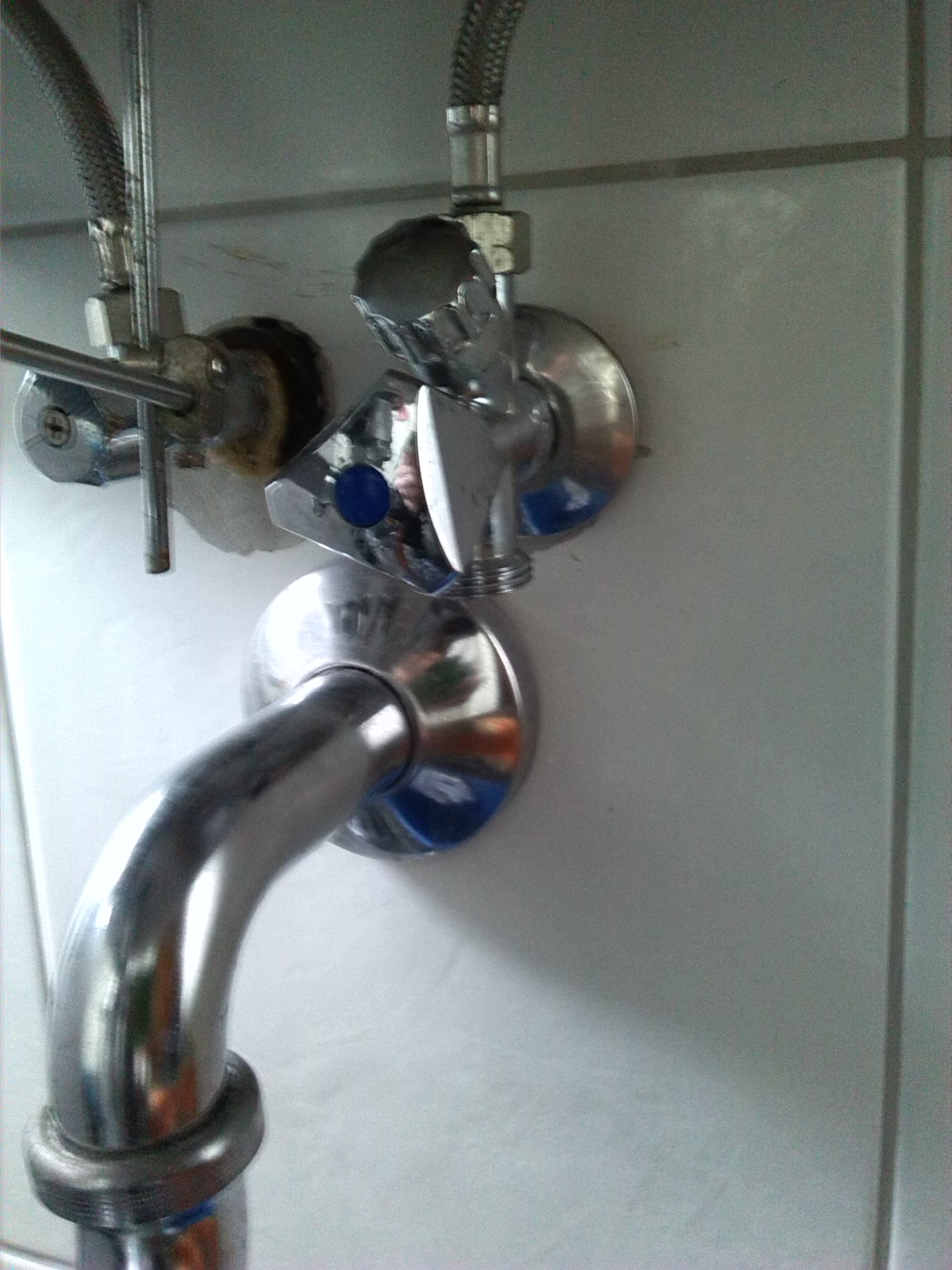 waschmaschine an waschbecken anschliesen alles ber wohndesign und m belideen. Black Bedroom Furniture Sets. Home Design Ideas