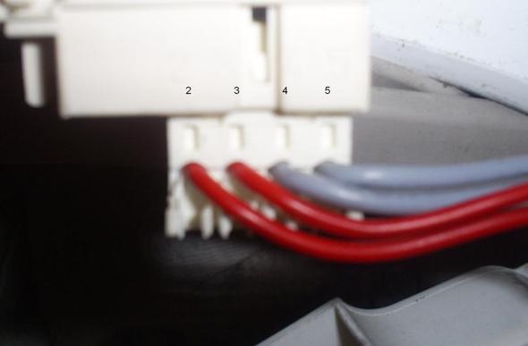 Stecker von oben mit den darüber stehenden Zahlen. - (Technik, Elektronik, Strom)