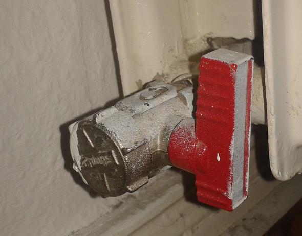 wasser im heizungssystem nachf llen an der heizung oder gastherme haus gas installateur. Black Bedroom Furniture Sets. Home Design Ideas