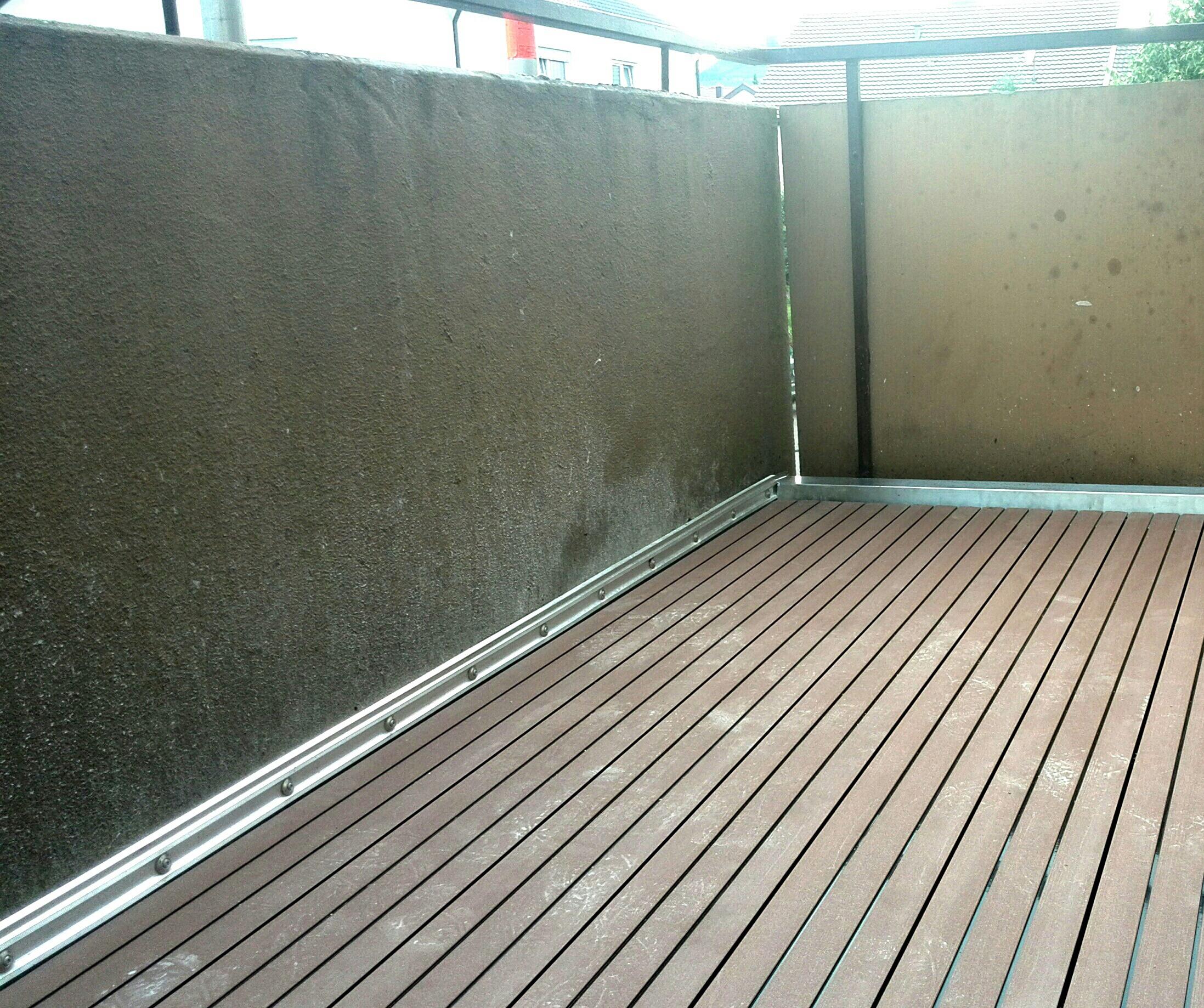 wasser steht nach balkonsanierung mit bitumen und klickdielen folgesch den haus. Black Bedroom Furniture Sets. Home Design Ideas