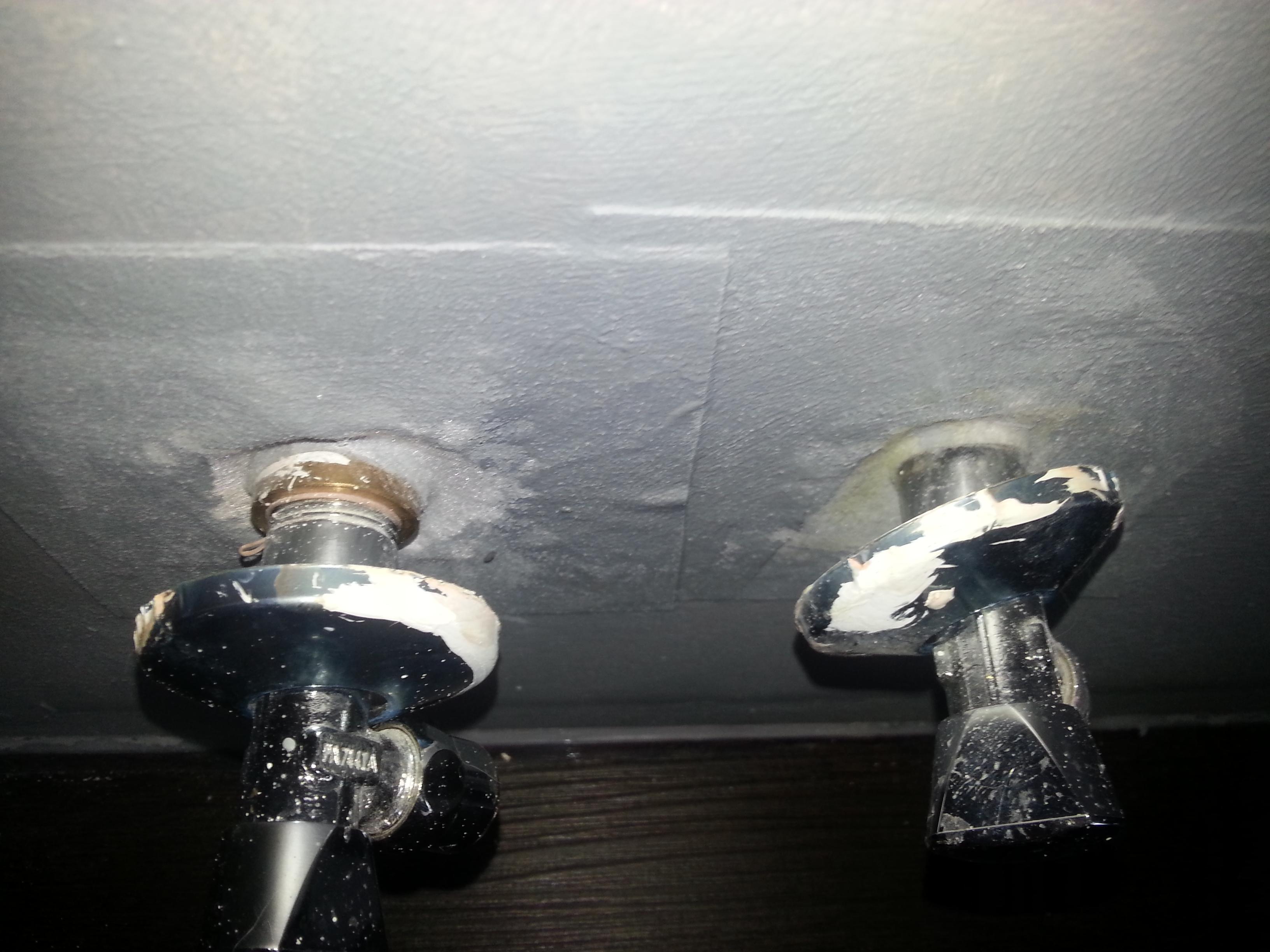 wasseranschluss zu tief in der wand bad sanit r. Black Bedroom Furniture Sets. Home Design Ideas