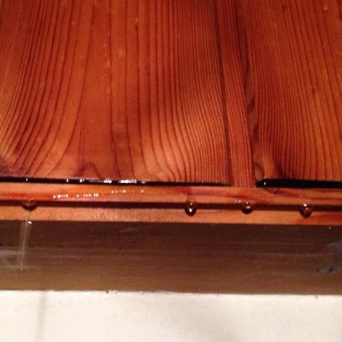 wassertropfen die von der decke kommen mietminderung m glich wohnung regnen. Black Bedroom Furniture Sets. Home Design Ideas