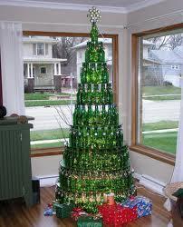 weihnachtsbaum aus bierflaschen weihnachten basteln kreativ. Black Bedroom Furniture Sets. Home Design Ideas