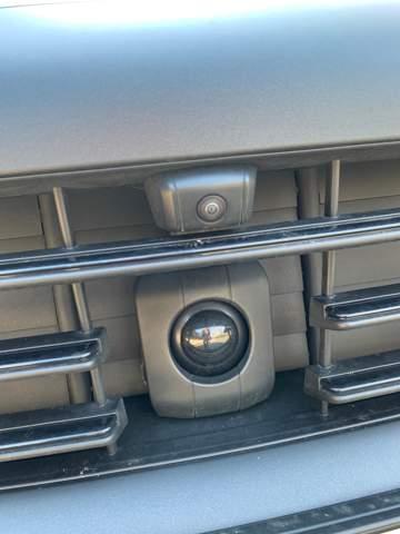 Weiß jemand, was das fette Ding unter der Kamera am Porsche ist?