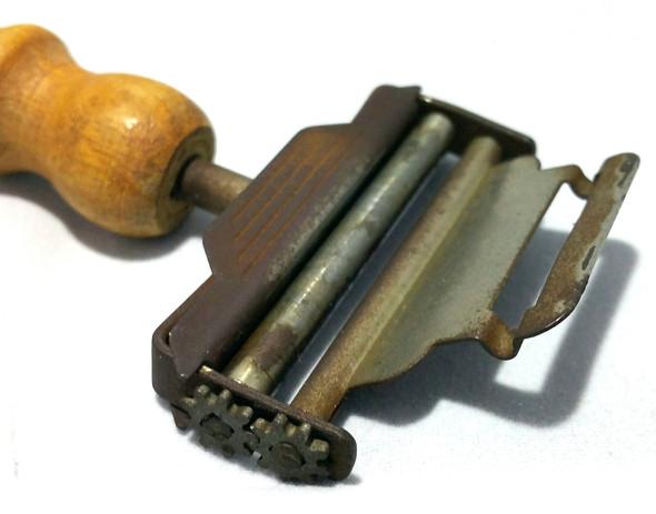 das Gerät 2 - (Werkzeug, Teile, Antik)
