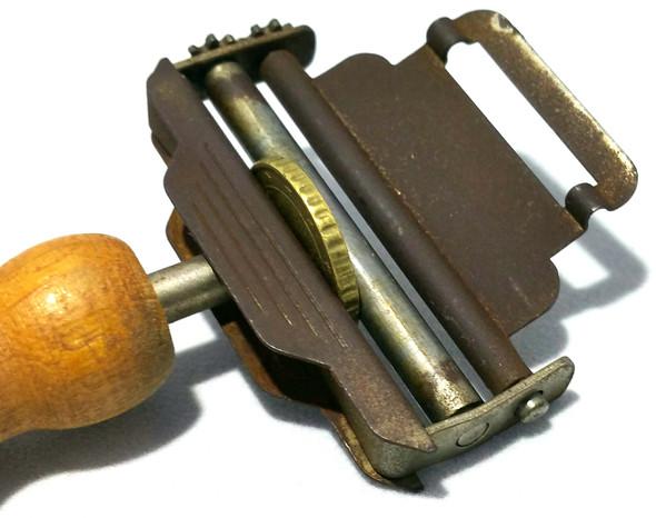 das Gerät 4 - (Werkzeug, Teile, Antik)