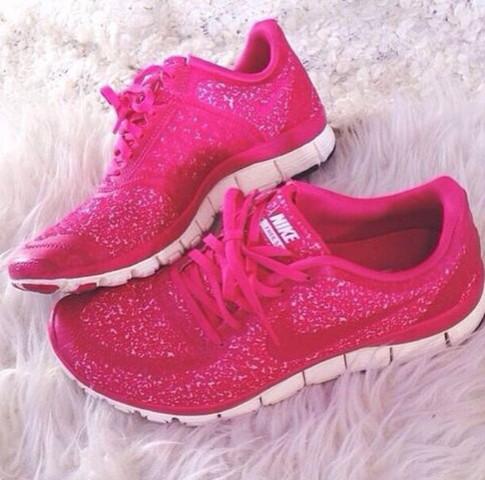 Nike Schuhe - (Nike, Welches Modell)