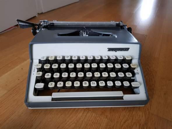Weiß jemand welches Torpedo Schreibmaschinen Modell das ist?