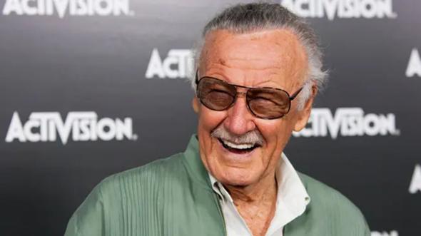 Weiß Jemand wie alt Stan Lee da war?