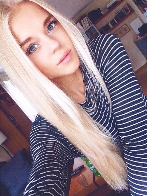 Hübsche Blondine 16