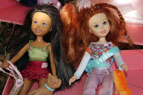 dieses Bild habe ich zufällig gefunden, so haben sie ausgesehen. - (Puppen, Barbie)