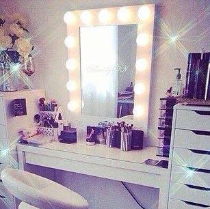 Spiegel mit beleuchtung ikea  Weiss jemand wie diese kleinen lichter am spiegel heissen? (Licht ...