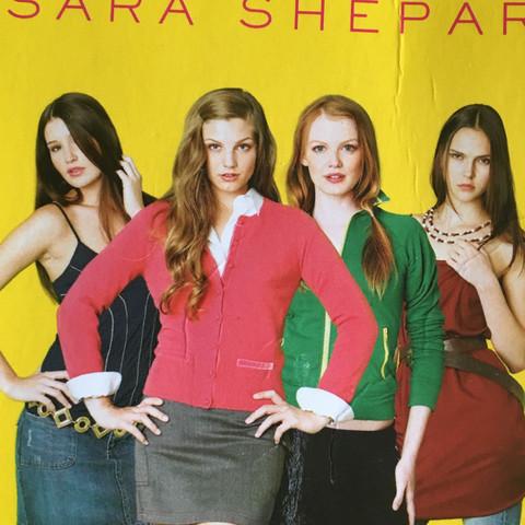 Hier sind diese vier Mädchen, aber wie heissen sie? - (Mädchen, Buch, Namen)