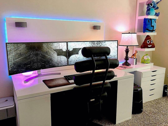 wei jemand wie dieser tisch hei t gaming schreibtisch. Black Bedroom Furniture Sets. Home Design Ideas