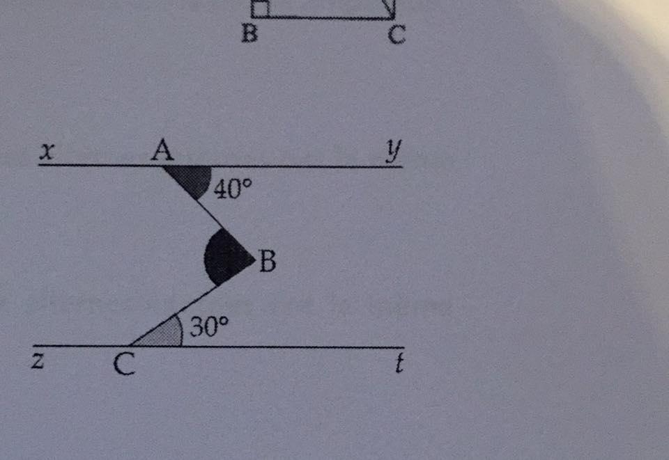 Weiß jemand wie ich den Winkel ABC finde (Bild) Bitte mit Lösungsweg ...