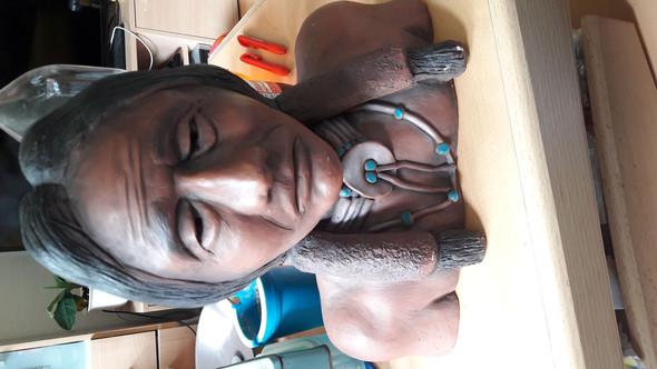 """Laut Wikipedia soll diese Statue """"Sitting Bull"""" darstellen. - (Freizeit, Wissen, Wert)"""