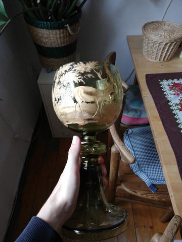 Weiß jemand wie viel solch ein Römer Glas wert ist?