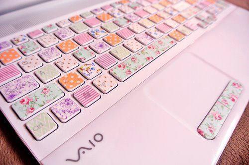 wei jemand wo es diese tastaturaufkleber gibt tastatur blumen aufkleber. Black Bedroom Furniture Sets. Home Design Ideas