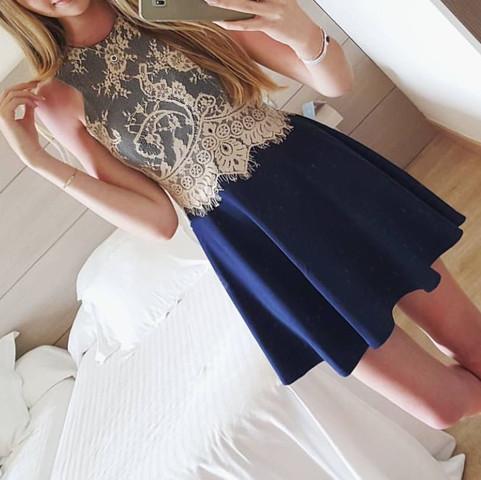 Das gesuchte Kleid  - (Kleid, Figur, Schulter)