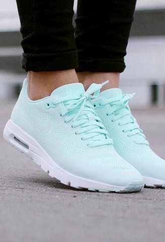 diese schuhe meine ich - (Schuhe, Nike)