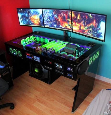 - (PC, Gaming, Tisch)