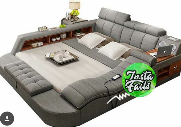 - (Bett, Lounge)