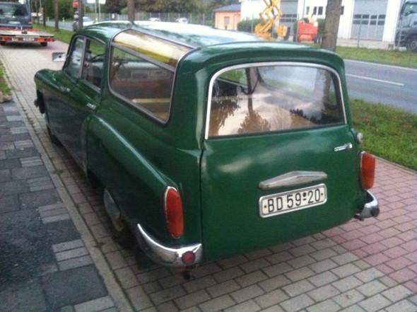 Auto mit Kennzeichen - (Auto, TüV, Zulassung)