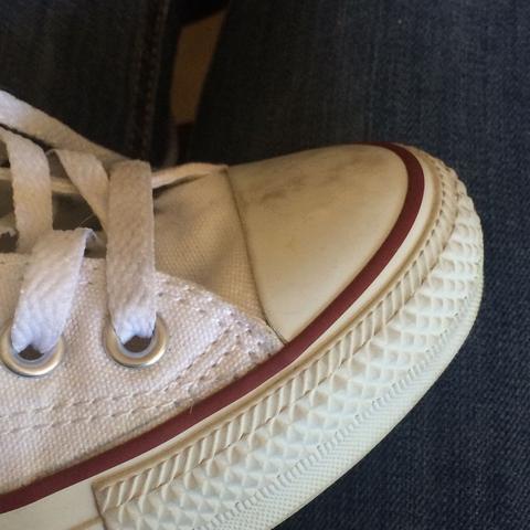 Weiße converse sauber bekommen?! (waschen, weiß, Chucks)