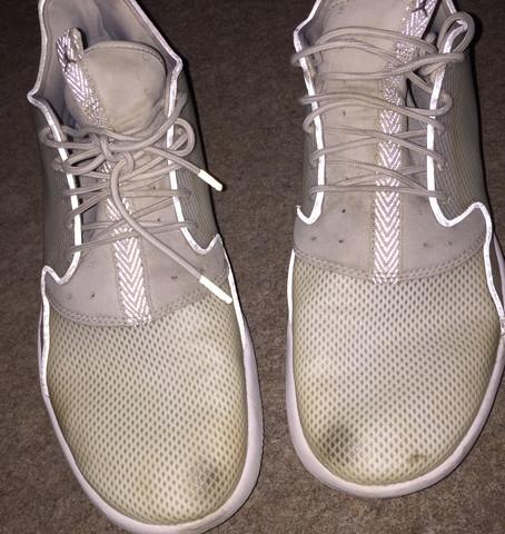 Jordans - (Schuhe, weiss, putzen)