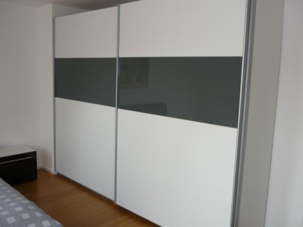 Weißes Schlafzimmer, blauer Teppich, welche Wandfarbe? (Farbe ...