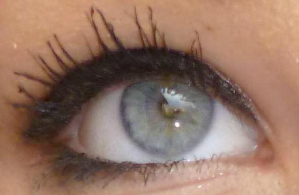 ((: - (Augen, Farbe, Aussehen)