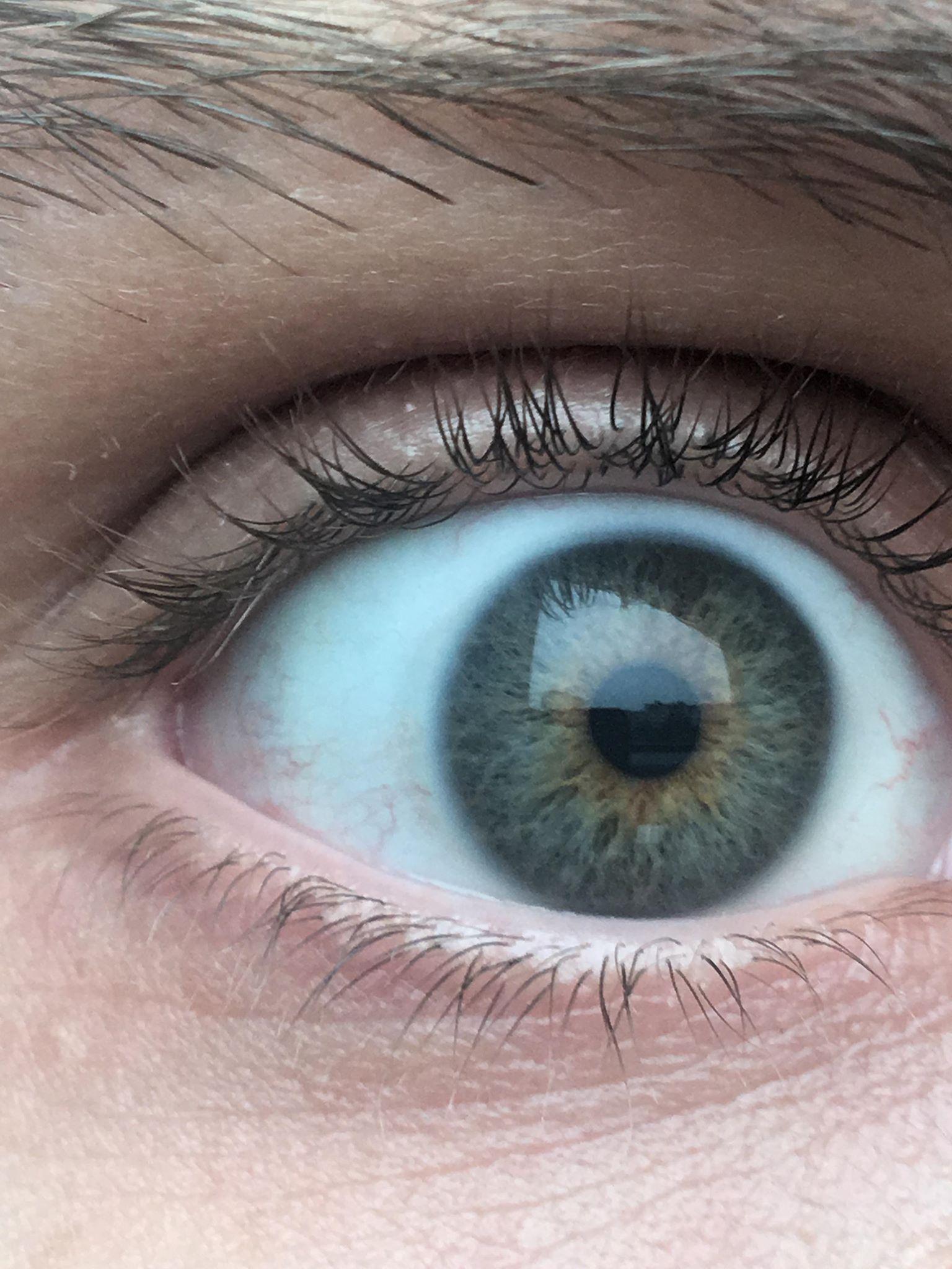 Welche Augenfarbe habe ich ((Personalausweis))? (Augen)