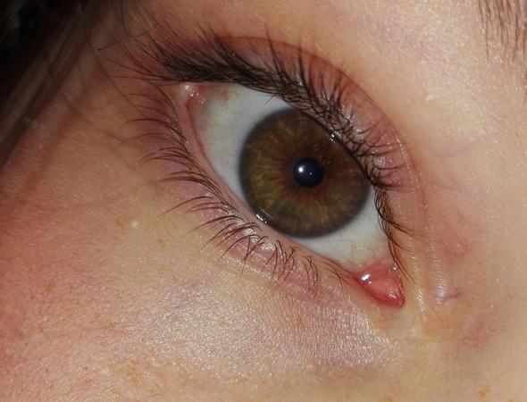 :) - (Haarfarbe, Augenfarbe)