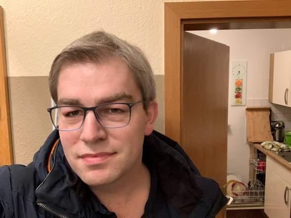Welche Brille passt besser zu meinem Gesicht??