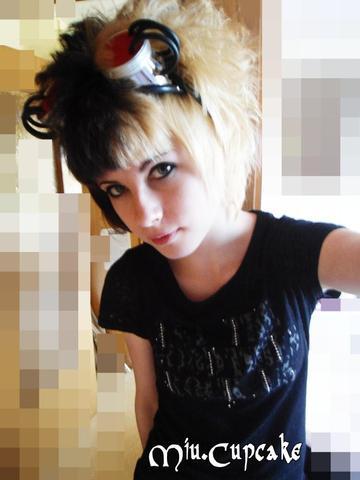 (Bild 3) Mein aktueller Blondton^^ - (Haare, Haarfarbe, färben)