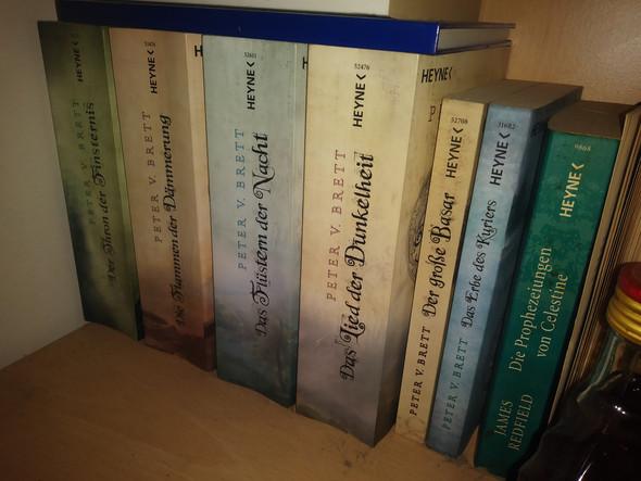 - (Buch, suche , lesen)
