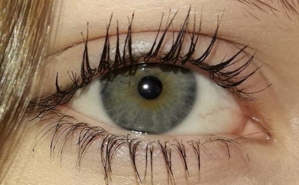 - (Augen, Farbe)