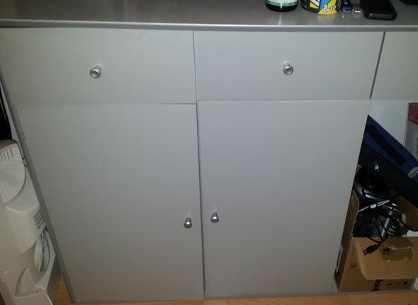 welche farbe deckt am besten auf holz ostseesuche com. Black Bedroom Furniture Sets. Home Design Ideas