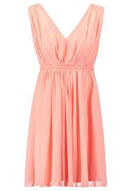 Kleid - (Frisur, Locken, braun)