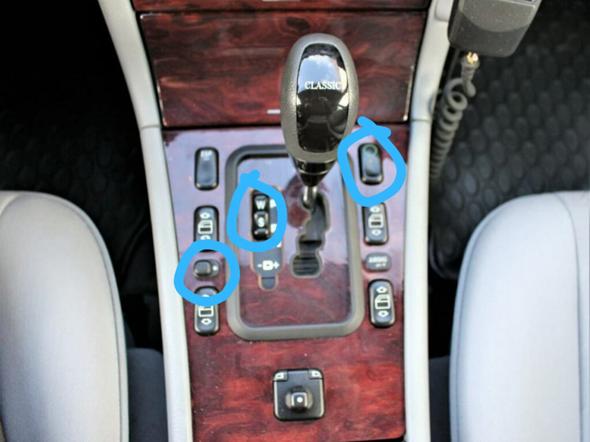 Welche Funktion haben diese 4 Knöpfe bei Mercedes?