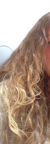 Hier ist noch ein Bild  - (Haare, Glätteisen, Glättbürste)