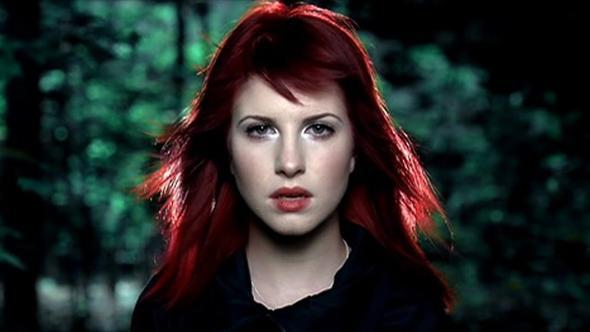"""Hayley Williams aus Musikvideo """"Decode"""" - (Haare, Haarfarbe, färben)"""